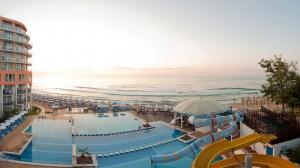 pool_1440x810